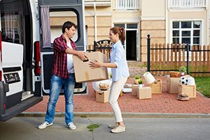 2 Best Ways to Make Moving Across Town a Breeze