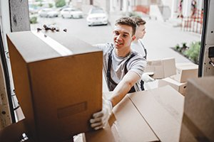 Don't Get Tricked: Why You Should Always Hire Professional Movers